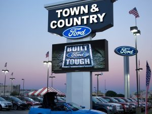 Dealership Signs custom lighted led pole pylon sign 300x225 300x225
